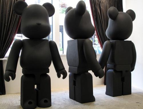black-comme-des-garcons-medicom-toy
