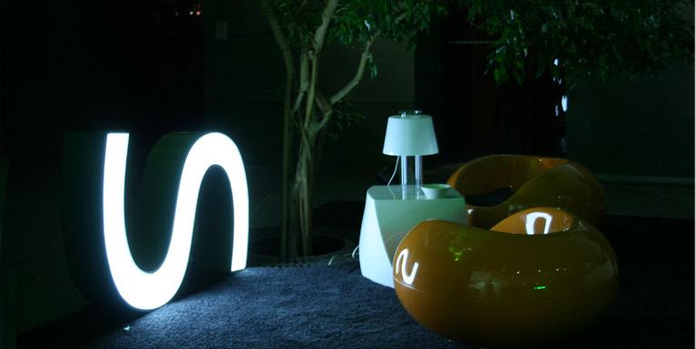 neon-letter-3