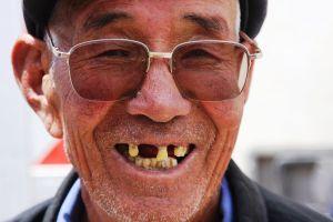 vieillard sans dent