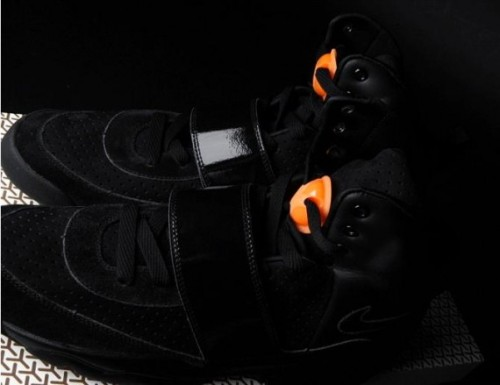 nike_air_yeezy_doernbecher_charity_air_jordan_vi_kanye_west_6-570x439