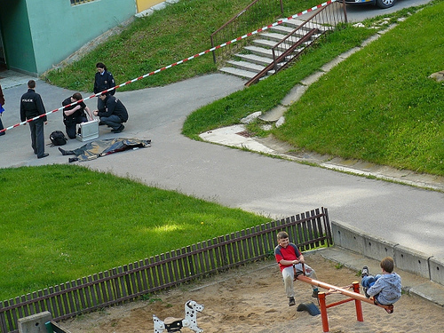 scene crime enfants