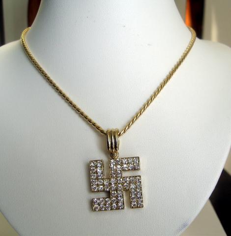 croix gammee diamant