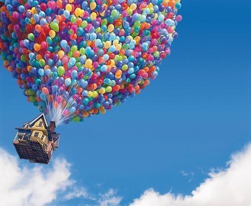 enfant ballon helium buzz la haut
