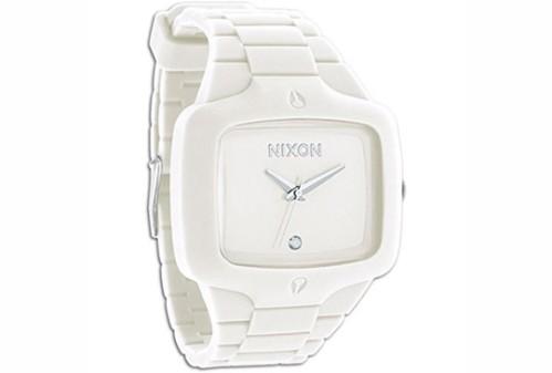 nixon-white-rubber-player