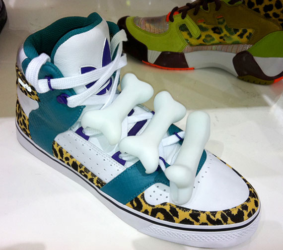 adidas jeremy scott teddy bear